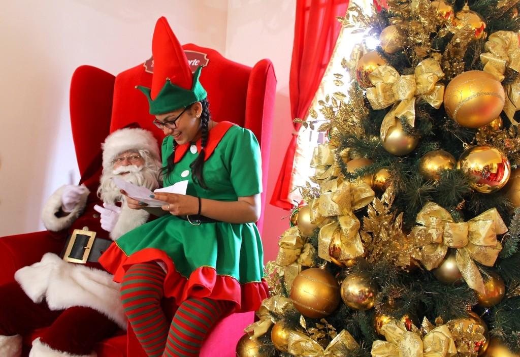 ¿Quieres una postal navideña para compartir en las redes? Santa ya llegó a la capital y aquí te digo dónde encontrarlo en la víspera.