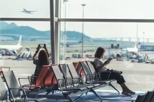 Cómo dormir en el aeropuerto y no sufrir en el intento