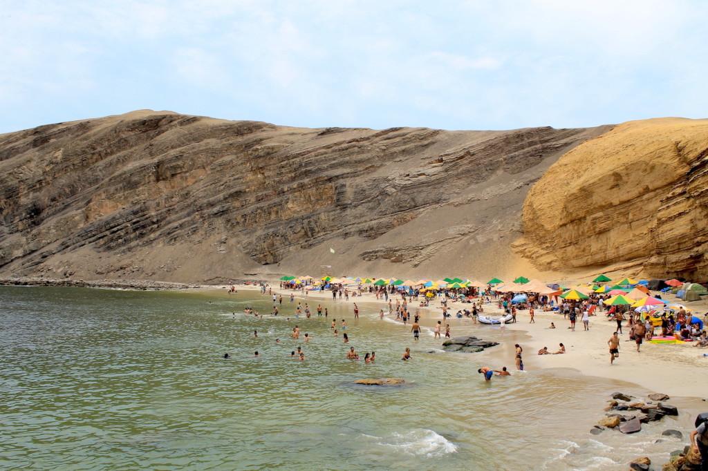 Playa La Mina, Paracas.