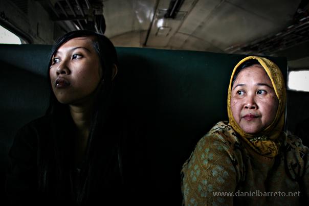 8894_train_to_malang