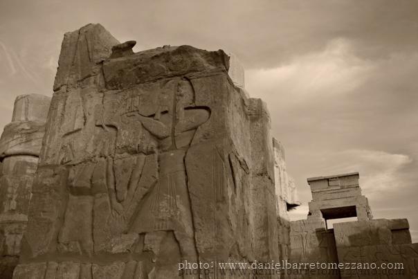 4600_karnak_temple