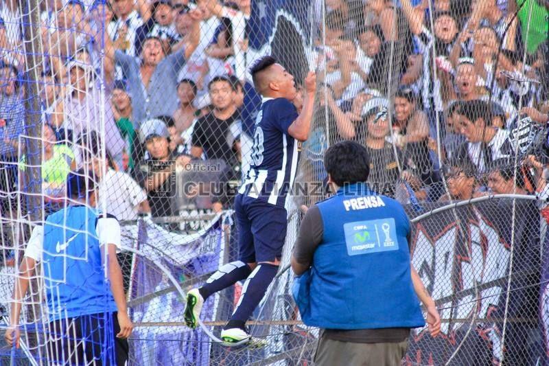 Alianza Lima marcha segundo en el Grupo C y es candidato a clasificar a las semifinales del Torneo del Inca. Goleó por 4-0 a Sport Loreto y en los últimos tres partidos anotó 10 goles. Pero lo emocionante es que ha vuelto a su esencia de tratar a la pelota como se merece y a ser el equipo que más gente lleva a la tribuna. Guillermo Sanguinetti decidió dejar en el banco a Guevgeozián para darle paso a una propuesta mucho más intrépida.