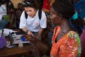 """República Centroafricana: """"Los grupos en conflicto están armando peligrosamente a la población civil"""""""