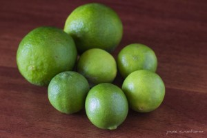 Limón Tahití grande. Limón criollo pequeño