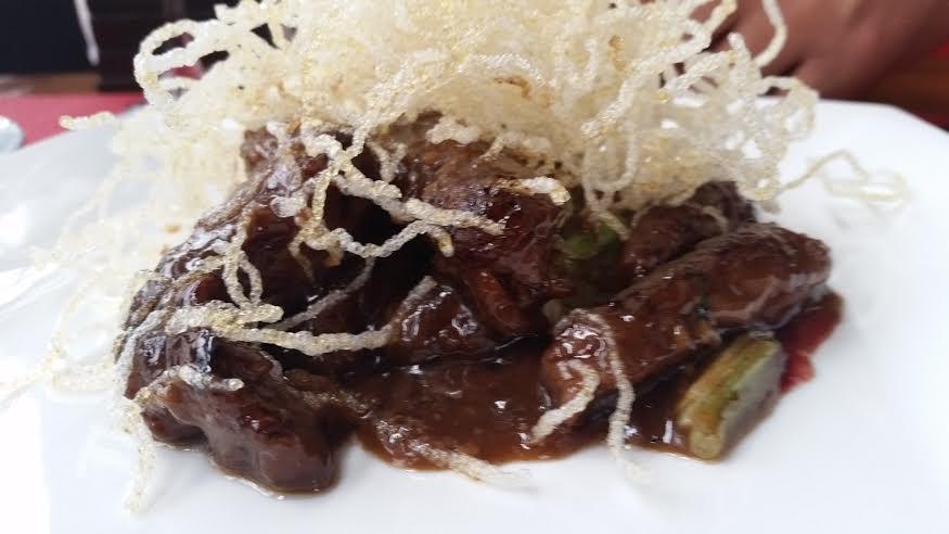 Mongolian beef S/61.00 viene con arroz
