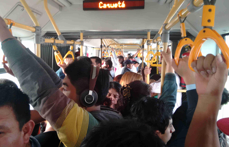 Resultado de imagen para metropolitano dentro del bus