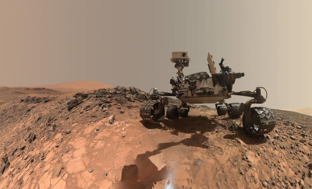 Curiosity sobre suelo marciano. Fuente: NASA.