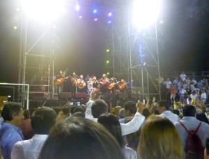 FOTO: PABLO JAVIER GÓMEZ DEBARBIERI Los Gipsy King, con su ritmo, conquistaron al público y demostraron que los espectáculos variados pueden y deben darse.