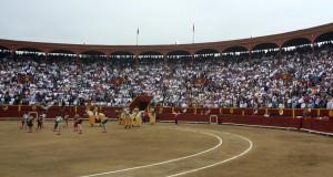FOTOS: PABLO JAVIER GÓMEZ DEBARBIERI Acho, con la Feria de la Oportunidad en julio, reincorporará a afi cionados que ya no iban a la plaza y a toreros que hacen campaña en el Perú.