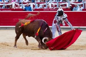 Triunfo apoteósico de Andrés Roca Rey, que indulta a un bravo toro (con videos)