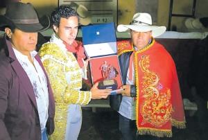 Galdós triunfó en Viraco, Arequipa