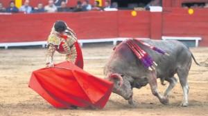 Juan del Álamo cuajó una buena faena al sexto, que tuvo dos partes; mejor la primera que la segunda.