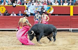 Acho, tercera de abono: José Garrido perdió la cabeza y así perdió la oreja del sexto toro (con videos)