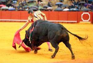 FOTO: SARA DE LA FUENTE - CULTORO Luis Bolívar cortó una oreja el jueves 12.