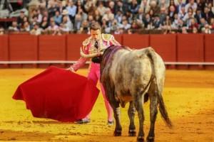 FOTO: SARA DE LA FUENTE Técnico y valiente, Ferrera se cruzó con el complicado victorino.