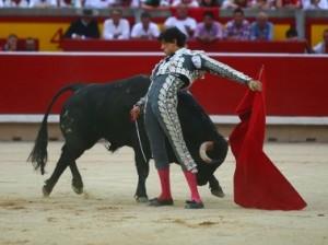 Roca Rey enmudeció el bullicio de Pamplona (con videos)