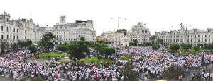 Multitudinaria marcha de taurinos y galleros (con videos, fotos y cálculo de manifestantes)