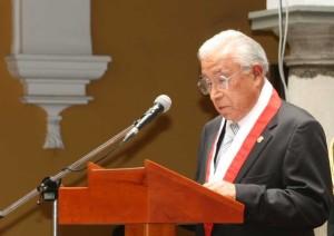 FOTO: TRIBUNAL CONSTITUCIONAL Dr. Juan Vergara Gotelli, esclarecedor voto singular en el 2010.