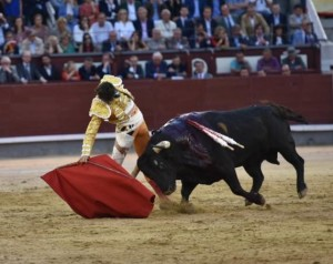 Blog FOTO N° 2 Roca Rey derechazo Madrid 22 mayo 2019
