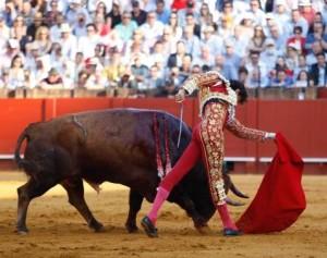 Blog Roca Rey pase de pecho Sevilla 3 mayo 2019