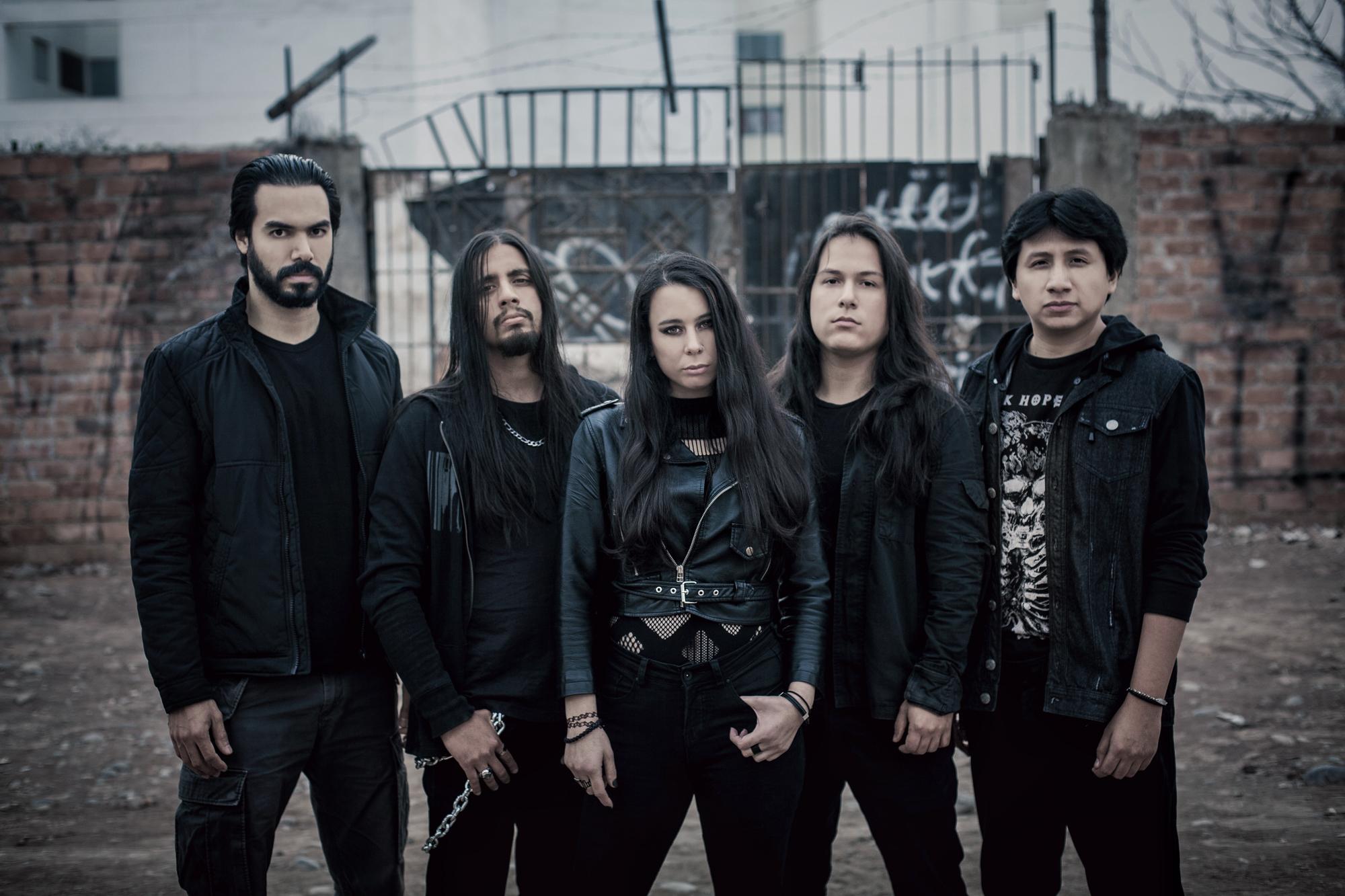 Actual alineación de NMK Franco Almeida, batería; Luis Medina, bajo; Nathalie Markoch; Elías Checco, guitarra y Carlos Roca, guitarra