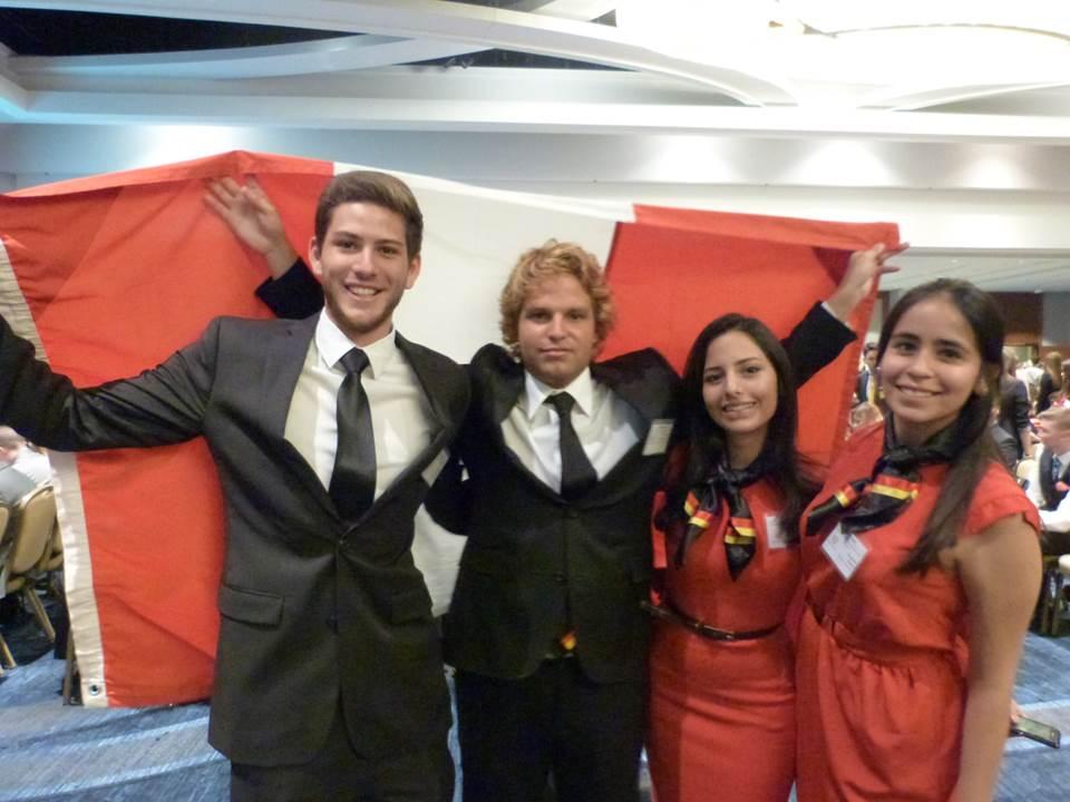 Los delegados peruanos dejaron en alto el nombre del país en la competencia internacional de debates.