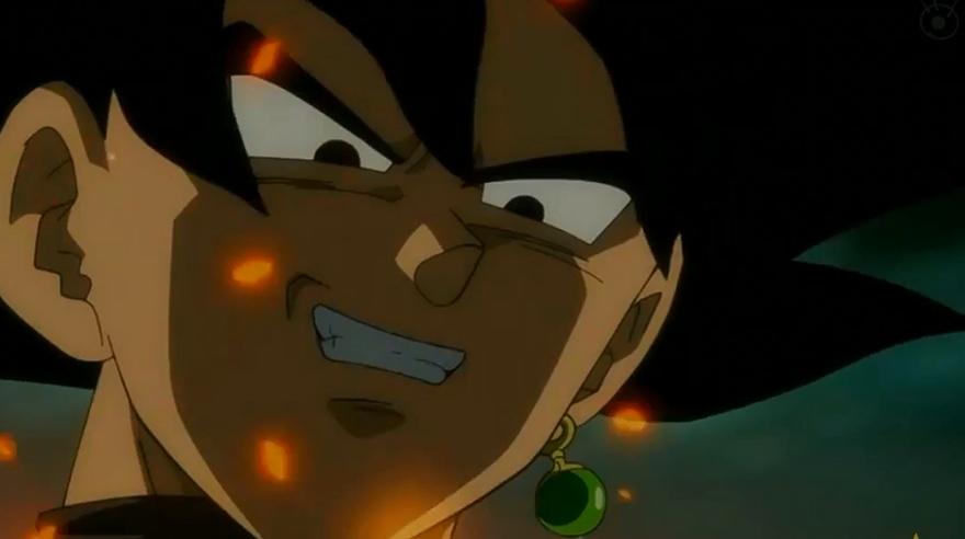 """El retorno de Trunks del futuro al mundo de """"Dragon Ball Super"""". Este fin de semana se estrenó el capítulo 47 """"Dragon Ball Super"""" , títulado ¡SOS del futuro! ¡Un nuevo enemigo negro aparece!"""" por la cadena de televisión Fuji TV en Japón. Un mundo en ruinas. Trunks hace su aparición escapando de un poderoso enemigo que no muestra su identidad. El saiyajin logra escapar y llegar al laboratorio de Bulma, su madre, para que ésta le entregue el combustible que lo llevará al pasado y pueda buscar la ayuda de..."""