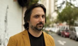 """Armando Bustamante Petit presentará su novela """"Constelación"""" este miércoles 28 en Victoria Bar de Barranco"""