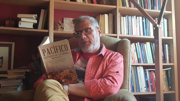 """Conversamos con el escritor Juan Carlos Cortázar a propósito de su cuento """"Dos Victorias"""" incluido dentro del libro """"Pacífico: Historias de guerra"""" (Ediciones B, 2017)"""