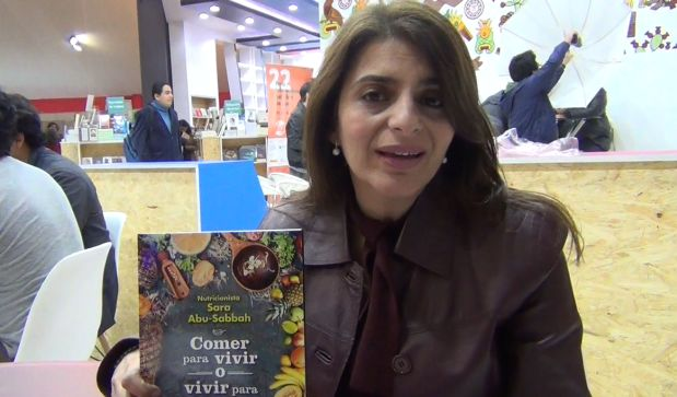 """Conversamos con Sara Abu-Sabbah, nutricionista y autora de libro """"Comer para vivir o vivir para comer"""" (Grijalbo, 2017)"""