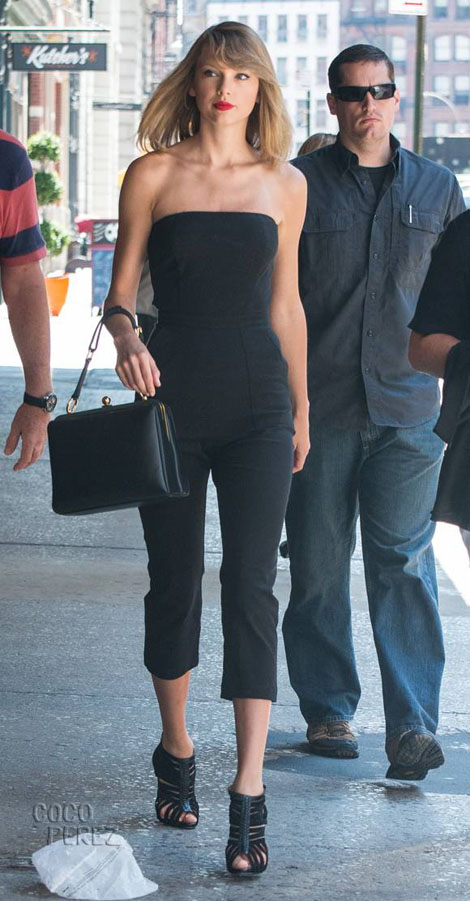 taylor-swift-all-black-outfit-nyc-main__oPt.jpg