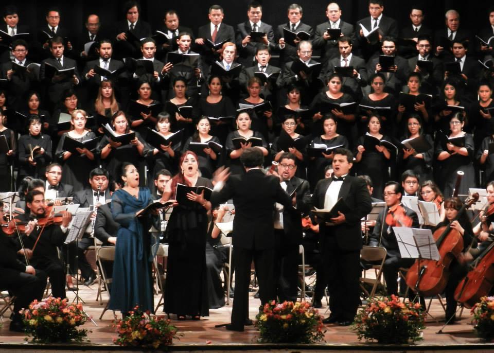 Ciento once músicos y noventa voces harán resonar la imponente Novena sinfonía de Beethoven en el Gran Teatro Nacional este viernes 14 de marzo, cuando se unan para interpretarla la Orquesta Sinfónica de Arequipa, la Orquesta Sinfónica Nacional Juvenil y el Coro Nacional, celebrando así el 75 aniversario del elenco musical arequipeño.