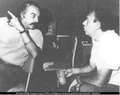 Con Armando Robles Godoy. Archivo personal