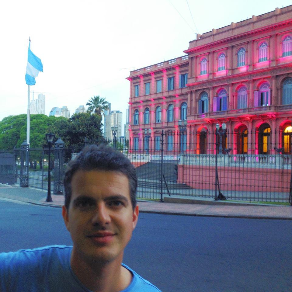 Jaroussky recién llegado a Argentina. Foto: Facebook