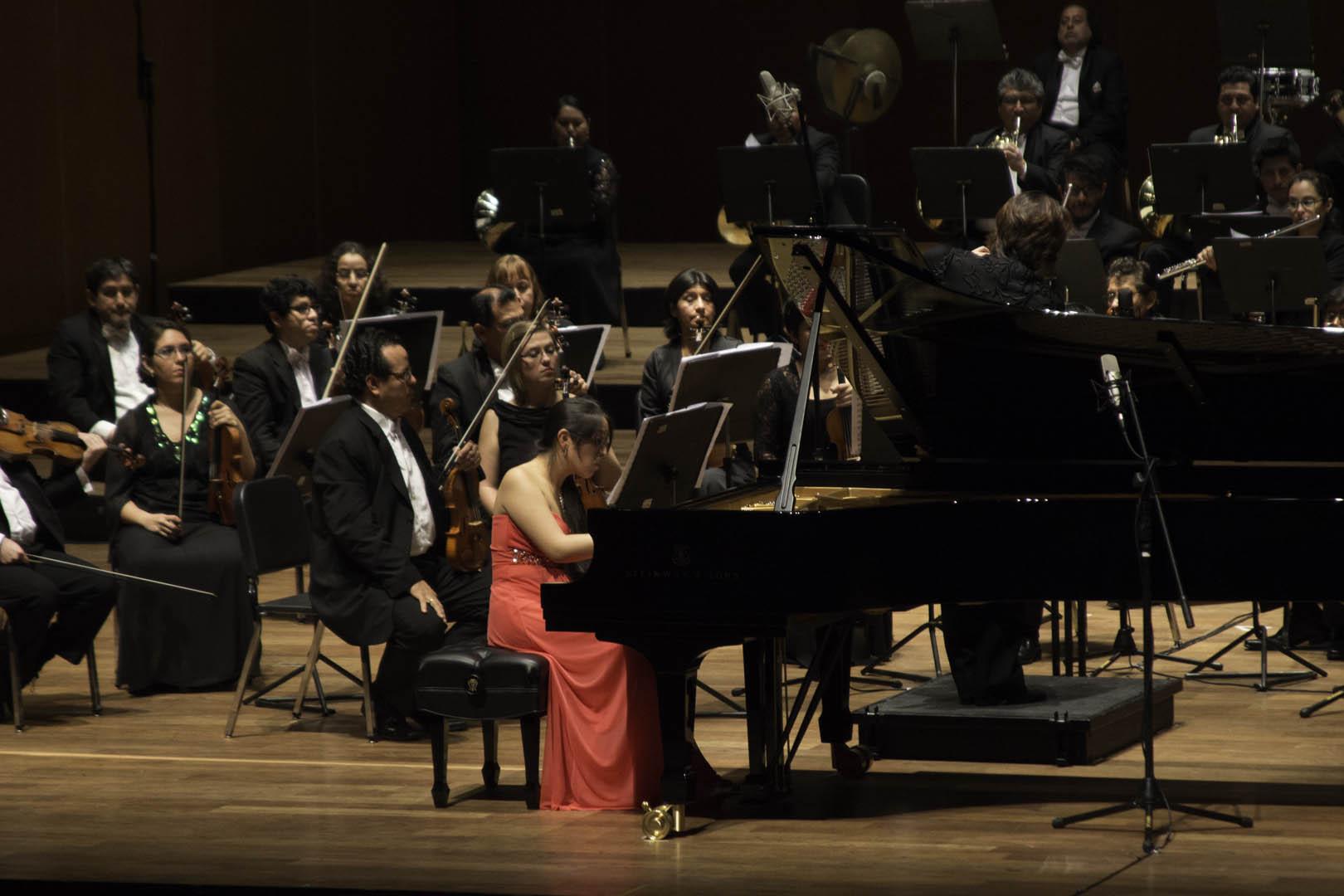 Brillante Priscila Navarro impactó con las Variaciones Goldberg de Bach y el Concierto no. 3 de Rachmaninov