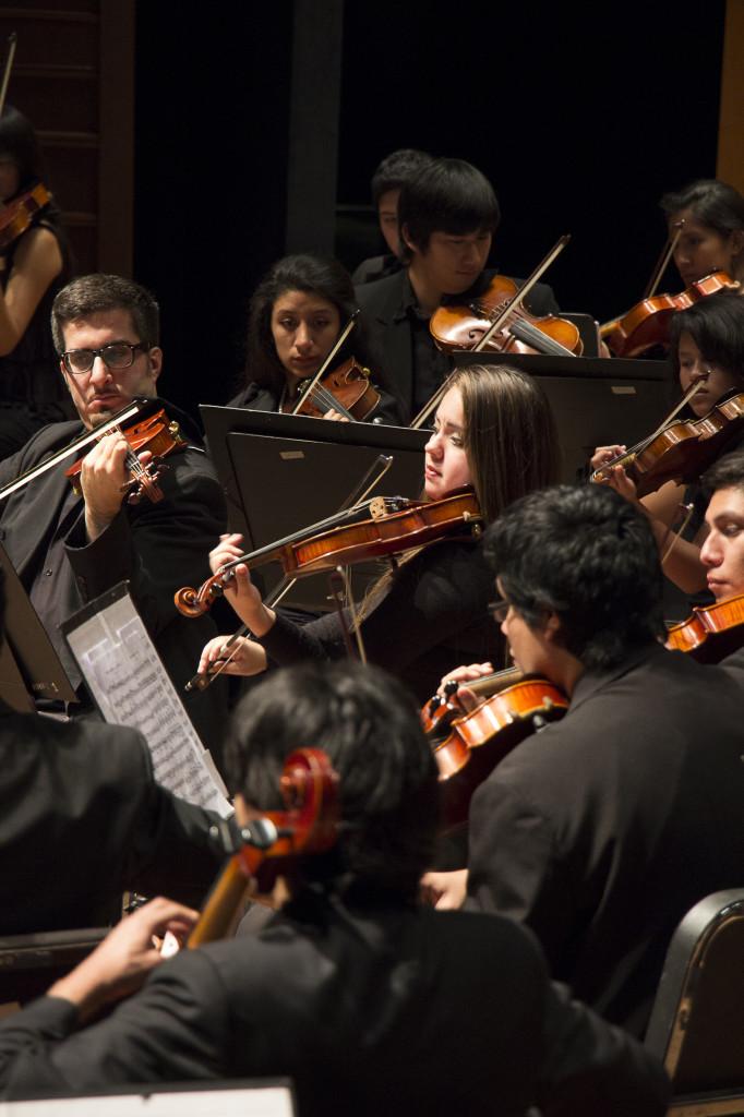 """El Ministerio de Cultura del Perú ha programado un """"Homenaje a la música de España"""" para el domingo 8 de octubre, a las 17:30 horas, en el Gran Teatro Nacional, con la participación estelar de la Orquesta Sinfónica Nacional Juvenil Bicentenario y del reconocido guitarrista uruguayo Eduardo Fernández."""