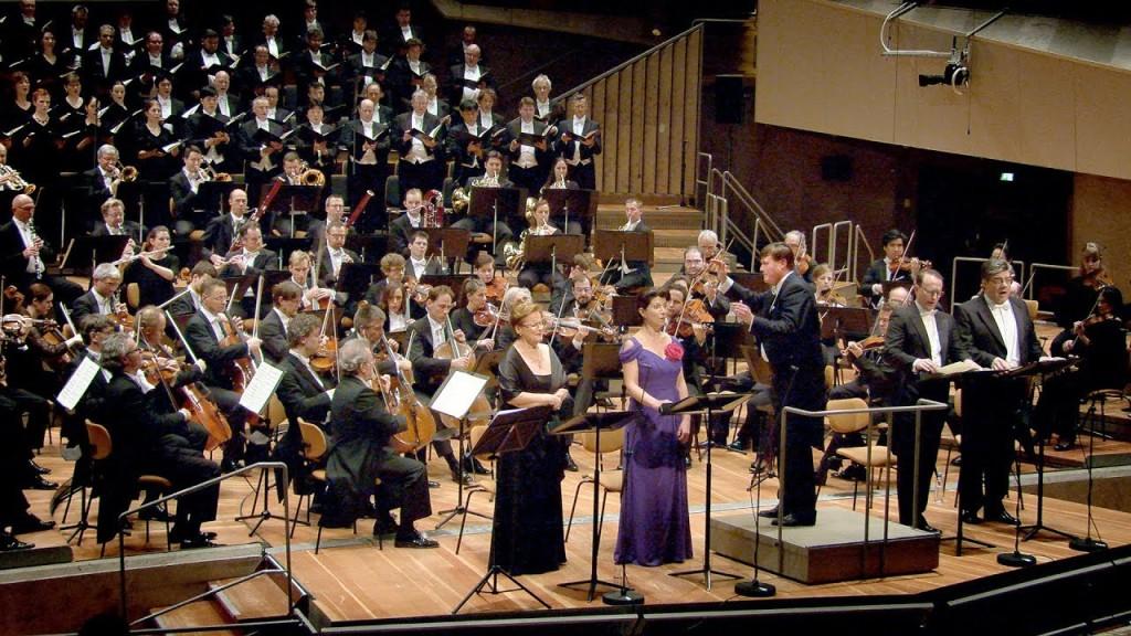 Gracias a una gentileza de la oficina de prensa de la Berliner Philharmoniker, pude asistir a dos fechas especiales en la famosa Philharmonie de Berlín para asistir a dos conciertos especiales. El primero de ellos el que narro en esta nota.