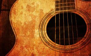2-old-guitar-nattapon-wongwean