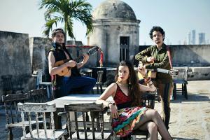 Monsieur Periné en Lima: «Nunca nos hemos detenido por las dinámicas de la industria musical»