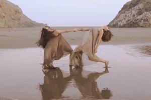 """Submarino explora el universo femenino en el videoclip de """"Dominique Crenn"""""""