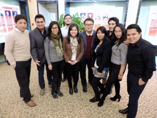 Jóvenes peruanos que estudian en Beijing con Guo Cunhai