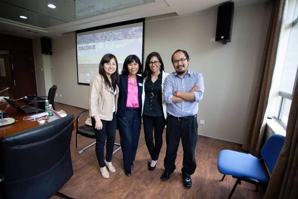 Patricia Pérez Palomino, Betsy Figueroa Maldonado y José Carlos Feliciano Nishikawa, ingenieros PUCP.