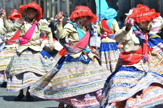 arequipa-danza-del-wititi-cami_XiE9NPx-jpg_976x0