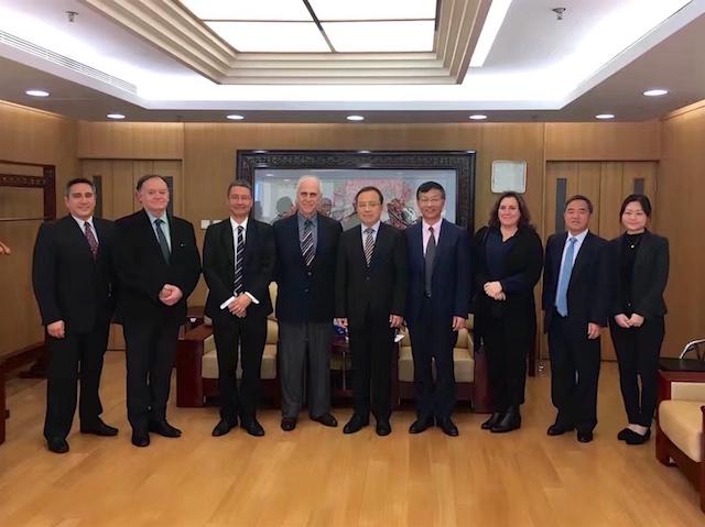 En la Universidad de Estudios Extranjeros de Beijing.