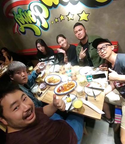 Comensales chinos (foto de PachaPapi)