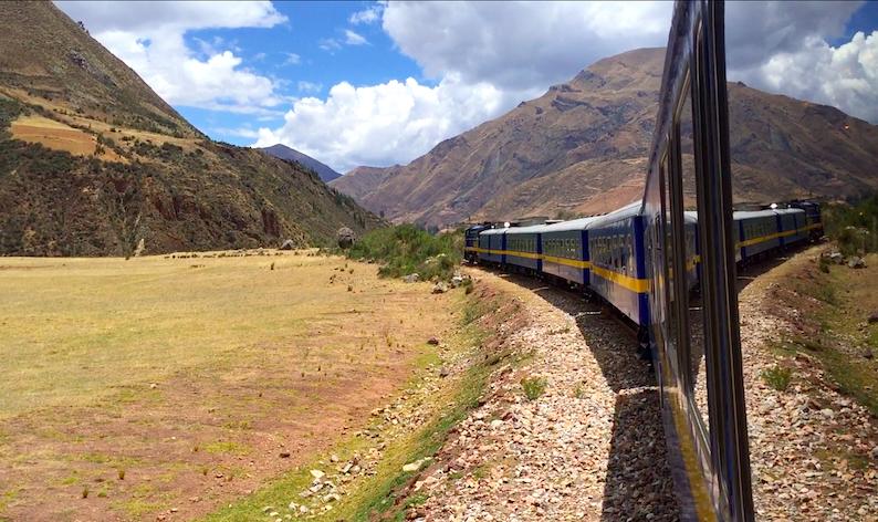 Viaje fascinante: Atraviesa los andes peruanos en tren