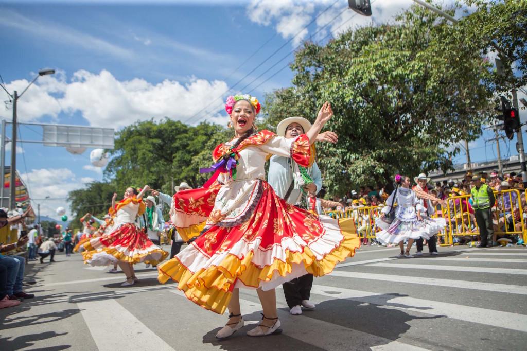Una vez al año, Medellín se viste de flores. Viaja a celebrar esta colorida tradición.