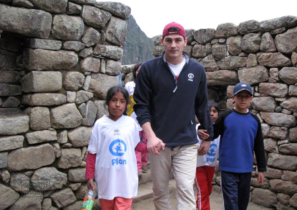 Iker Casillas-Machu Picchu-niños