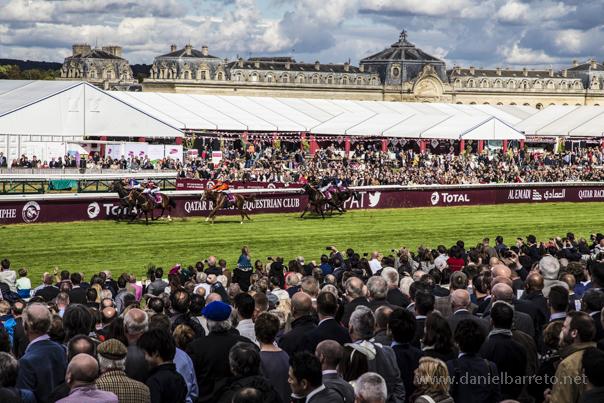 Un Domingo en el Gran Prix del Arco del Triunfo