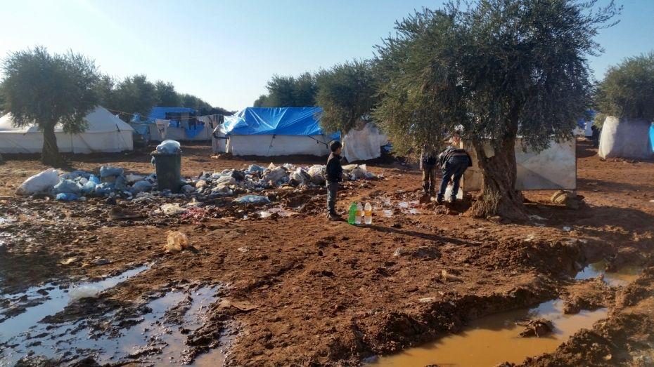 """Siria: """"Tan cerca de la línea del frente las familias desplazadas podrían estar en peligro"""""""